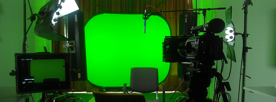 Slider_GreenscreenRoom